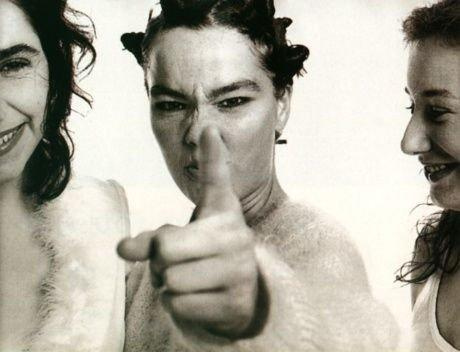 Björk sprellar með Tori Amos og PJ Harvey